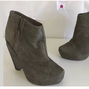Senso Diffusion olive Green Cow Hair Booties 38EU